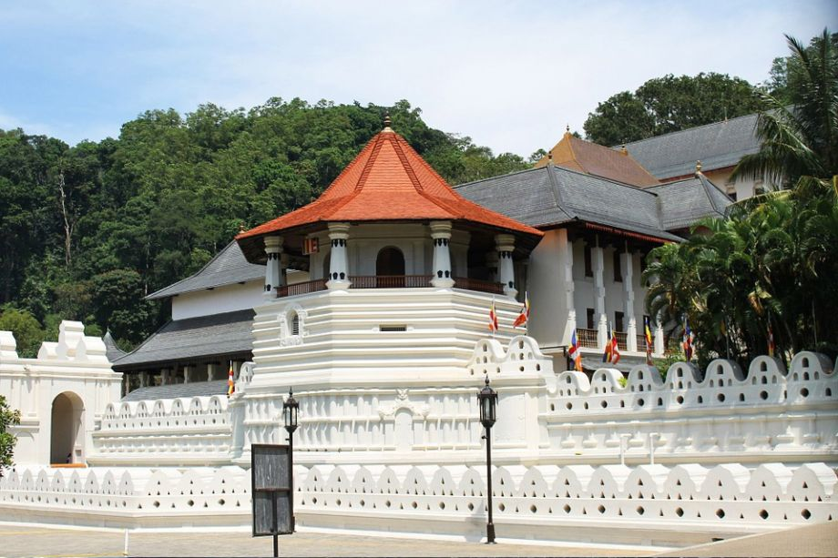 Travel to Sri Lanka with Shivoy DMC - Kandy
